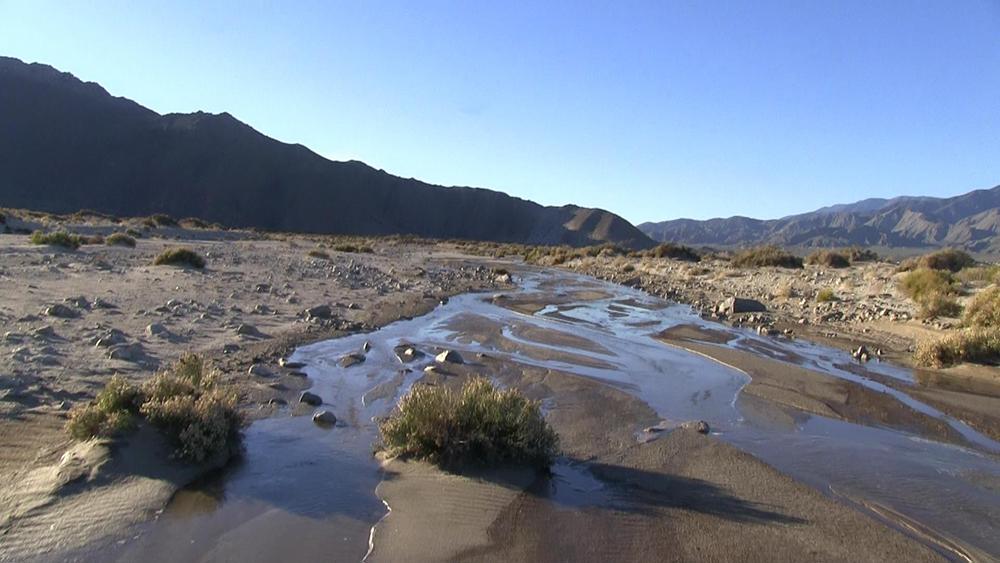 the front of a desert river � going alone kurt bell